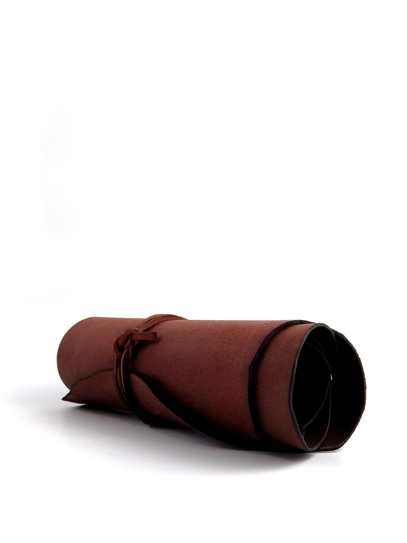 Vaso da arredo cilindrico in cuoio 33 mani for Cuoio arredo