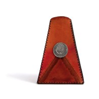 Vaso da arredo triangolare in cuoio