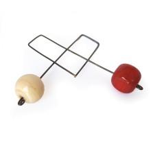 Orecchini a prendente in vetro - Cubo rosso e sfera beige